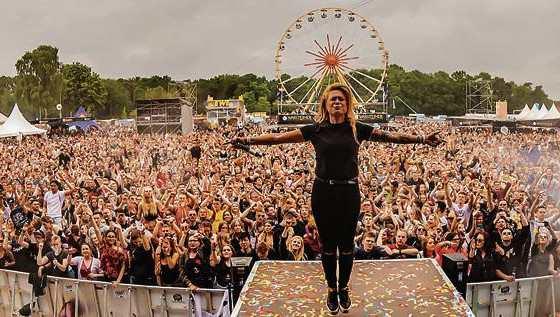 """Die Headliner der fünften Auflage von """"Tante Mia tanzt"""" am 21. Mai 2020 in Vechta sind Dimitri Vegas&Like Mike – die aktuelle Nummer 1 der DJ MAG TOP100, Aushängeschild vom Tomorrowland, Gewinner der wichtigsten Auszeichnungen der Dance und DJ Szene. Mehr Bild: Tante Mia Tanzt"""