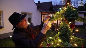 Oldenburger bastelt sich einen Grünkohl-Weihnachtsbaum