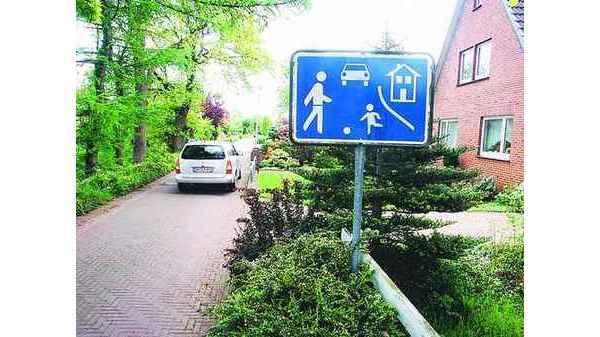 Verkehr Hude Auf Spielstraßen Gilt Schritt Tempo