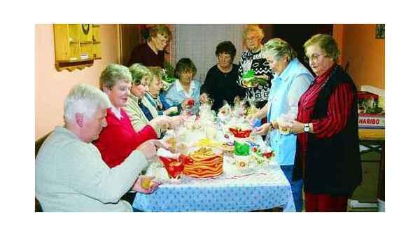 Bockhorn Bastelaktion Kleine Geschenke Fur 150 Senioren