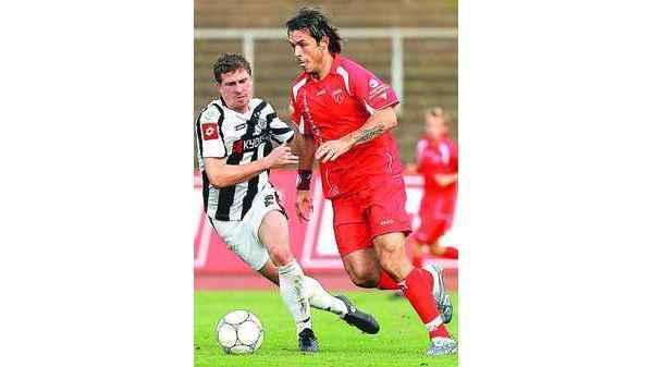 Fussball Regionalliga Kickers Emden Klettert Aus Der