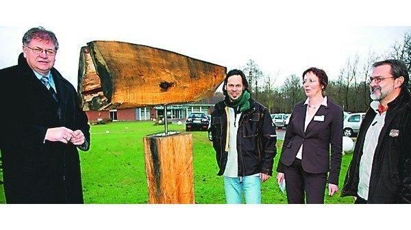 Skulpturen Zetel Kunst In Der Gemeinde Wachst Mit Holz