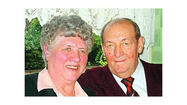 Glückwunsch Höltinghausen General Und Seine Frau Feiern