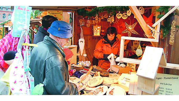 Weihnachtsmarkt Varel.Weihnachtsmarkt Varel Viele Vareler Vereine Bieten Adventliches