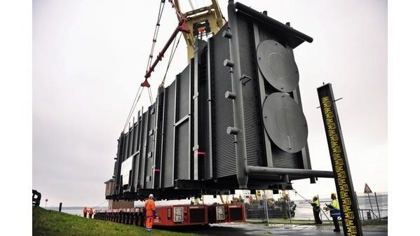 Riesen-Kessel für Stader Kraftwerk angekommen