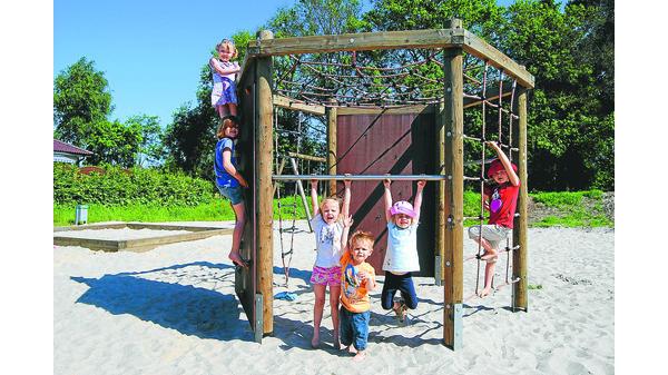 Klettergerüst Kinder Test : Spielplatz test hude: im sommer fehlt nur die wasserpumpe