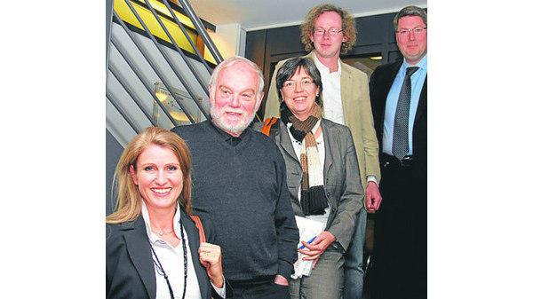 Bevorzugt Mitgliederversammlung OLDENBURG: Die Reihe großer Pianisten bleibt AI93