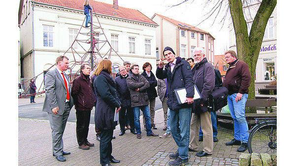Klettergerüst Planer : Schlossplatz varel: bürger wollen bäume und klettergerüst