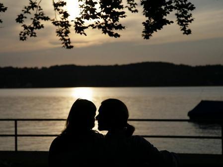 Dating Ehepartner während der Trennung16 und 23 Jahre alt datiert uk