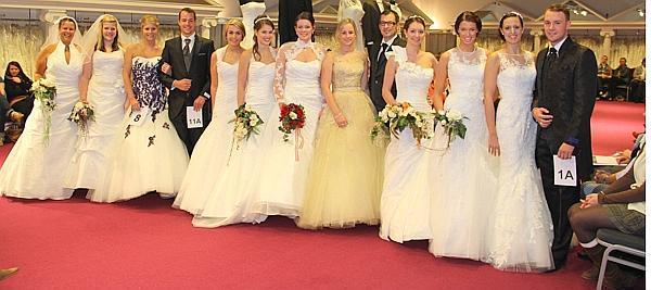 Wirtschaft Ovelgönne: 100 verschiedene Brautkleider präsentiert