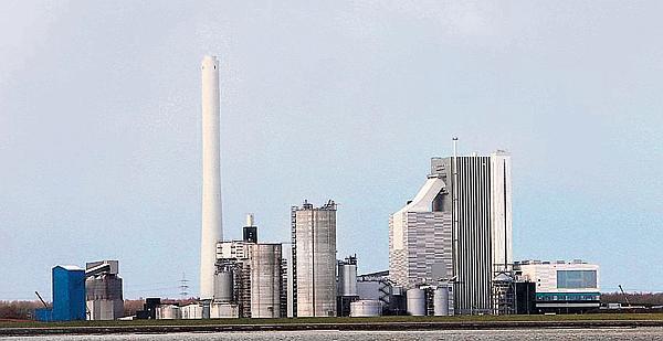 Wirtschaft Wilhelmshaven: Kessel hält Druckprobe stand