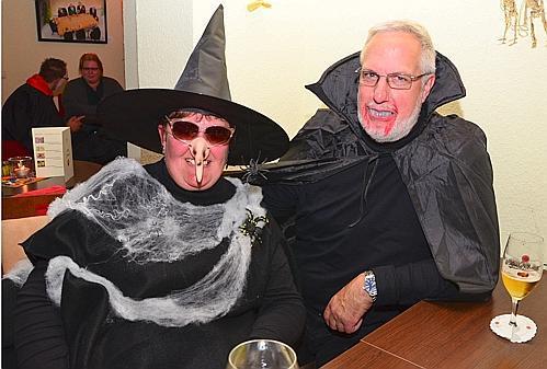 Halloween-Party Dötlingen: Fröhlicher Abend mit Zombie-Boulette und ...