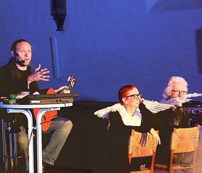 kabarett ganderkesee: pfarrer macht party im kirchenschiff
