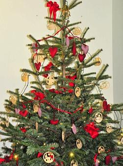 Wann Wurde Der Geschmückte Weihnachtsbaum Populär.Tannenbaum Von Pastoren Einst Verpönt