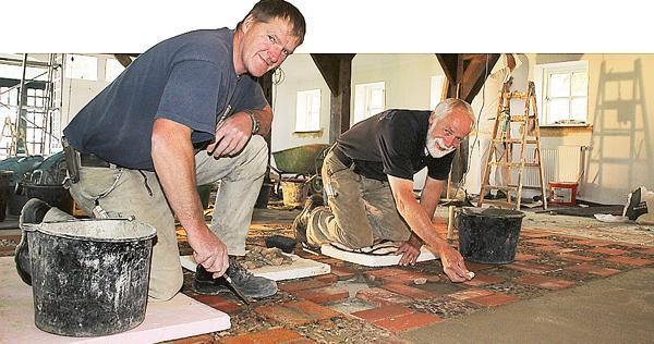 Fußboden Aus Kieselsteinen ~ Bauarbeiten nordenholz kreative quadrate schmücken fußboden