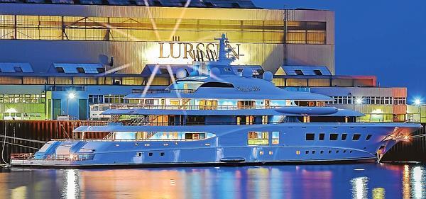 Blaues wunder aus lemwerder for Innenarchitekt yacht