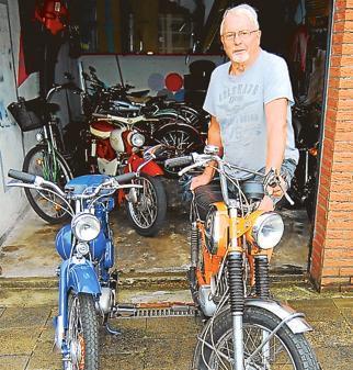 Hobby Das Herz An Alte Mopeds Verloren