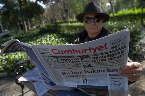 Cumhuriyet Spielt Mit Dem Feuer Turkische Zeitung Druckt Charlie Hebdo Nach