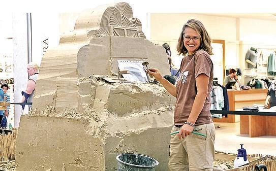 Künstler Bremen ausstellung bremen künstler erschaffen skulpturen aus sand