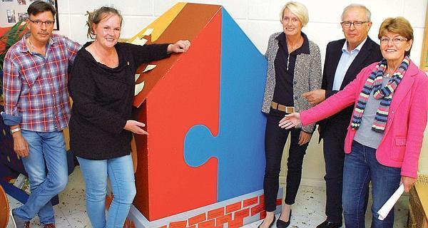 Soziales mehrgenerationenhaus auf sicheren f en for Mehrgenerationenhaus berlin