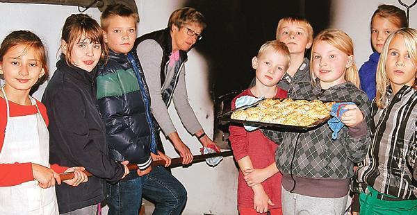 Kunstprojekt Dünsen Kindheit Früher Und Heute