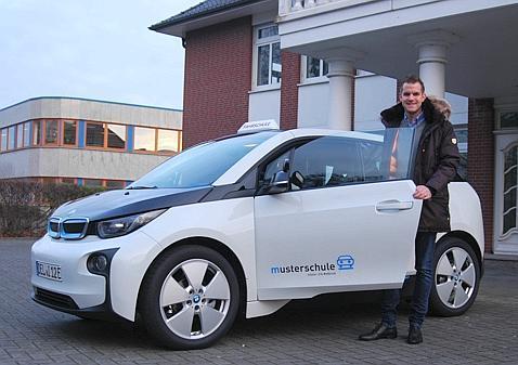 Fahrschule Delmenhorstharpstedt Mit Vollgas In Die Abgasfreie Zukunft