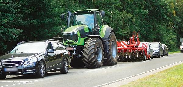 Verkehr In Der Landwirtschaft Maschinen Werden Immer Größer Die