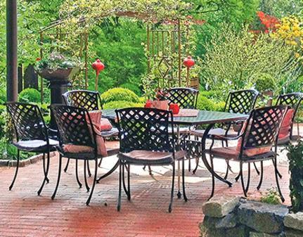 terrasse m bel sollten im stil zu haus und garten passen. Black Bedroom Furniture Sets. Home Design Ideas