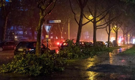 Unwetter In Niedersachsen Schwere Schäden Und Weiter Störungen Im