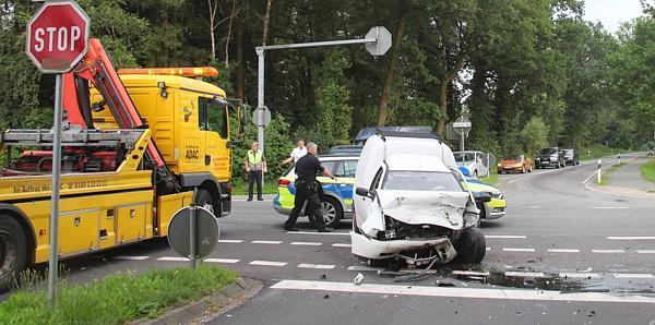 Vier Verletzte Neusüdende: Schwerer Verkehrsunfall in Rastede