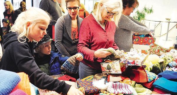Abgabestellen Weihnachten Im Schuhkarton.Weihnachten Im Schuhkarton Wühlen Und Packen Für Die Gute Sache