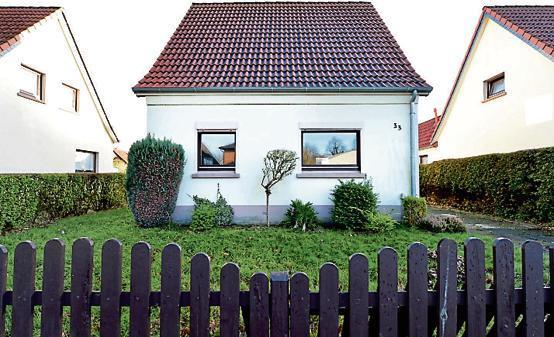 schramperweg bloherfelde kleines haus st t auf gro es interesse. Black Bedroom Furniture Sets. Home Design Ideas