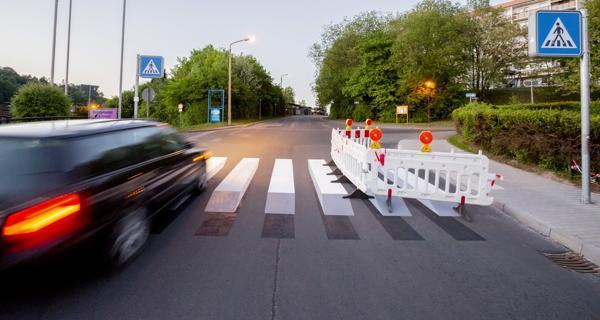 Landesamt macht Ernst! 3D-Zebrastreifen muss bis Freitag weg