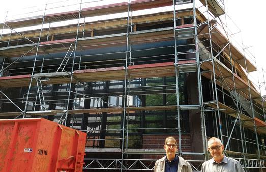 sanierung in oldenburg asbest kommt runter vom dach. Black Bedroom Furniture Sets. Home Design Ideas