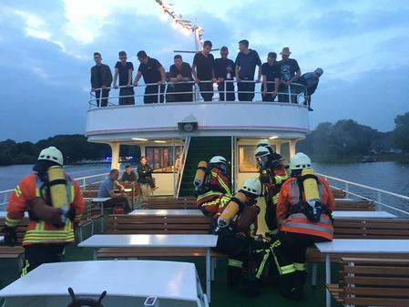 Rettungskräfte proben Einsatz auf Zwischenahner Meer