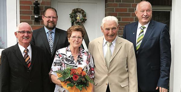 Diamantene Hochzeit Ramsloh Blumen Und Prasente Zum Ehrentag