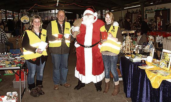Weihnachtsmarkt Varel.Markt Varel Letzter Weihnachtsmarkt In Porzellanfabrik
