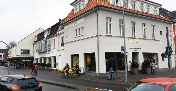 gesch fte in oldenburg m belhaus rosenbohm vor der schlie ung. Black Bedroom Furniture Sets. Home Design Ideas