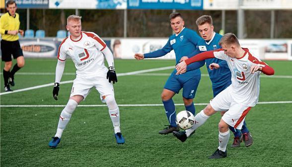 Fussball Brake Brake Trotzt Kickers Emden Punkt Ab