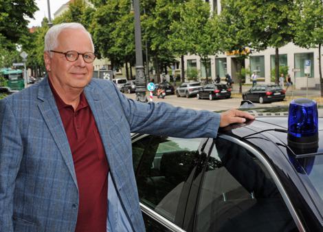 Serie Der Ewige Polizeiassistent Im Ruhestand