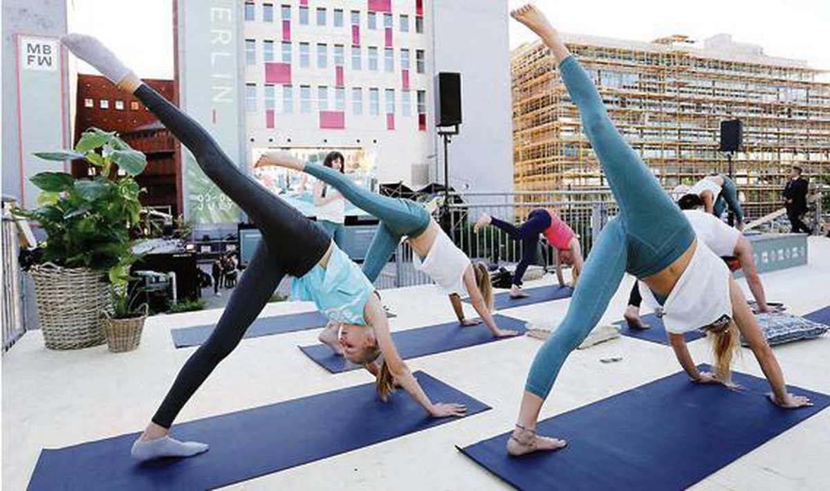 mit yoga geld verdienen