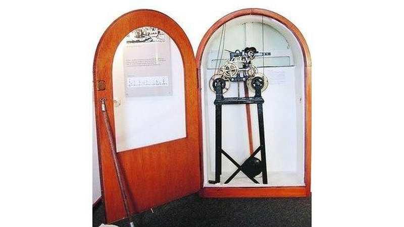 turmuhr brake kleines werk und gro e zeiger. Black Bedroom Furniture Sets. Home Design Ideas