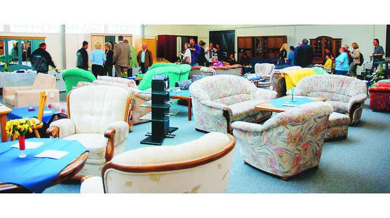 buntes kaufhaus oldenburg gebrauchte m bel in neuen r umen. Black Bedroom Furniture Sets. Home Design Ideas