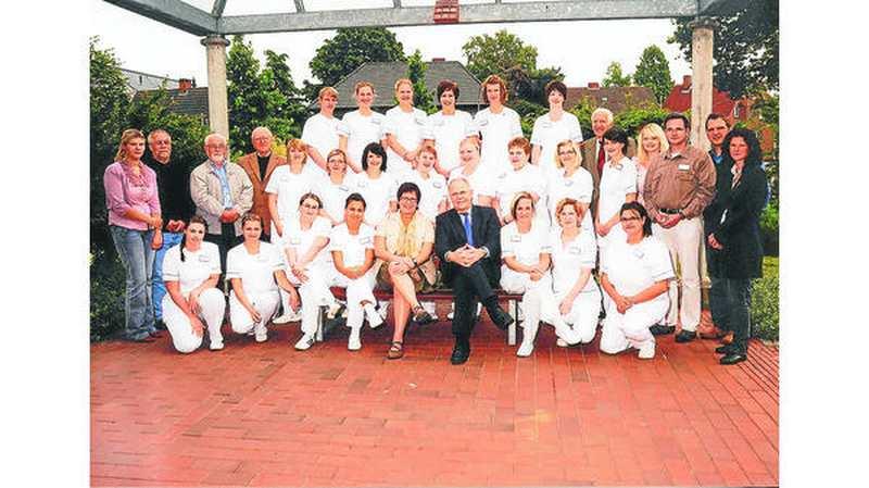 21 neue Altenpfleger am Pius-Stift Cloppenburg ausgebildet