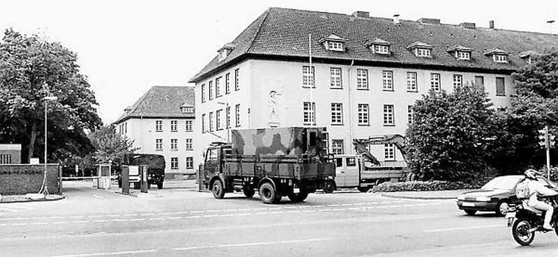 hindenburg kaserne kreyenbr ck film erinnert an stadtgeschichte. Black Bedroom Furniture Sets. Home Design Ideas