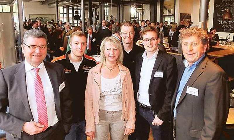 Netzwerk Augustfehn: Unternehmer in Motorradjacke