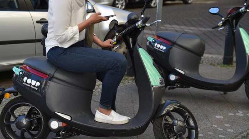 scooter sharing in berlin mein roller dein roller. Black Bedroom Furniture Sets. Home Design Ideas