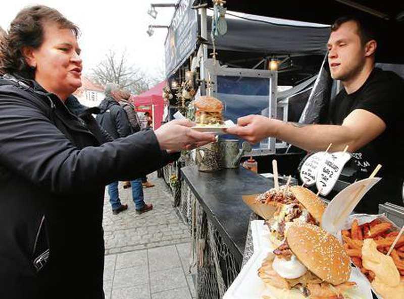 street food festival in bad zwischenahn wo burger nach minze schmecken. Black Bedroom Furniture Sets. Home Design Ideas