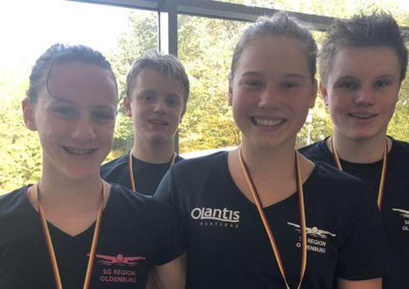 Schwimmen: Merle Dessau und Carlotta Ingenerf räumen ab - Nordwest-Zeitung