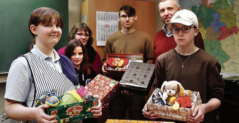 Spendenaktion Aus Friesoythe: Weihnachtsgruß im Schuhkarton - Nordwest-Zeitung